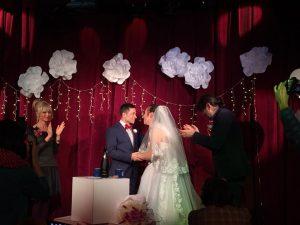 актьорите Дени и Марти сключиха брак на сцената на Куклен театър - Русе